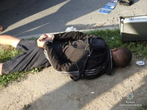 В Запорожье полицейские задержали группу грабителей - «гастролеров» - ФОТО, ВИДЕО