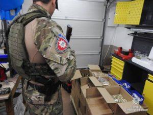 Предприимчивый запорожец превратил гараж в цех по производству оружия - ФОТО, ВИДЕО