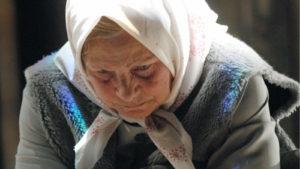 В Запорожской области пенсионерка побила школьника, который обидел ее внука