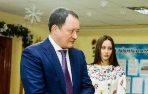 Несовершеннолетняя дочь запорожского губернатора продала квартиру в Киеве за 4 миллиона гривен