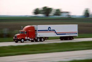 Запорожским водителям напоминают об ограничении движения грузового транспорта