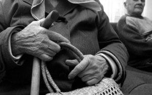 В курортном городе Запорожской области ограбили 79-летнюю пенсионерку - ФОТО