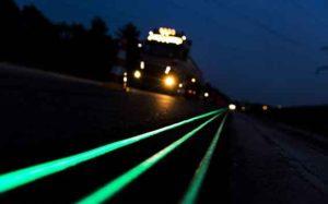 В Запорожье предлагают наносить дорожную разметку светящейся краской