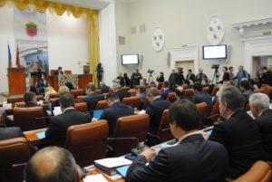 Запорожские депутаты намерены обратиться в Кабмин и к президенту Украины с просьбой поддержать законопроекты по регистрации и «растаможке» автомобилей