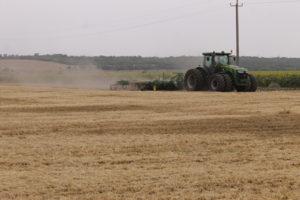 В трех районах Запорожской области уже завершили сбор ранних зерновых
