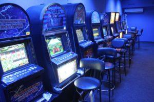 В Запорожье закрыли подпольный зал игровых автоматов, который работал в центре города под прикрытием лотереи - ФОТО