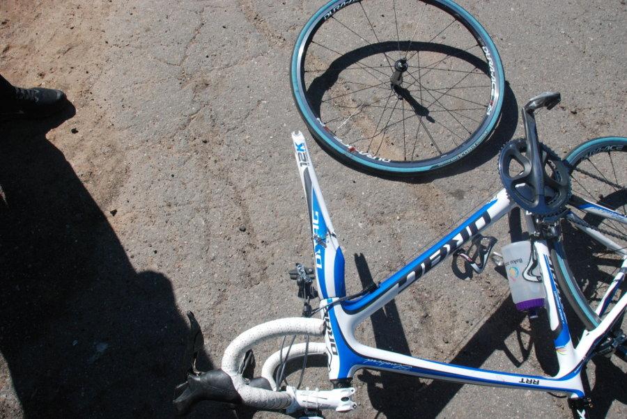 Выпил? Иди пешком: на запорожском курорте пьяный велосипедист ночью попал в ДТП
