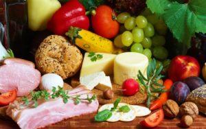Почти 400 запорожцев отравились некачественными продуктами питания