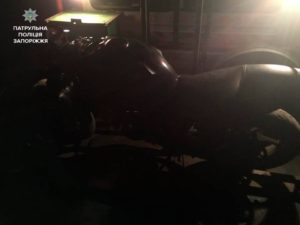 В Запорожье поймали пьяного мотоциклиста, который развозил наркотики - ФОТО