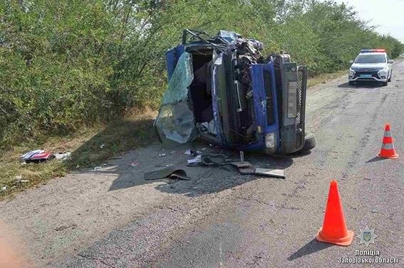 В Запорожской области произошло смертельное ДТП с участием полицейского  — ФОТО