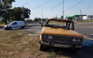 В Запорожской области в результате ДТП перевернулся автомобиль: есть пострадавшие - ФОТО