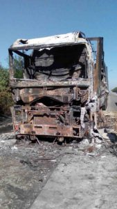В Запорожской области сгорела фура с мукой - ФОТО, ВИДЕО