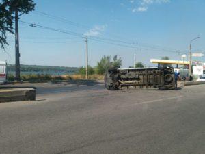 В Запорожье столкнулись две маршрутки: есть пострадавшие - ФОТО