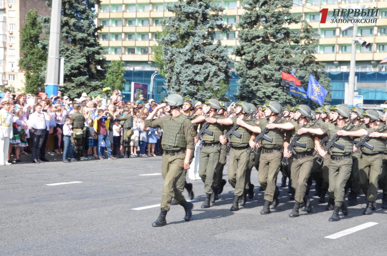 Парад, военная техника и вышиванки: как в Запорожье празднуют День Независимости - ФОТО, ВИДЕО