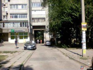 Подробности вооруженного ограбления в спальном районе Запорожья - ФОТО