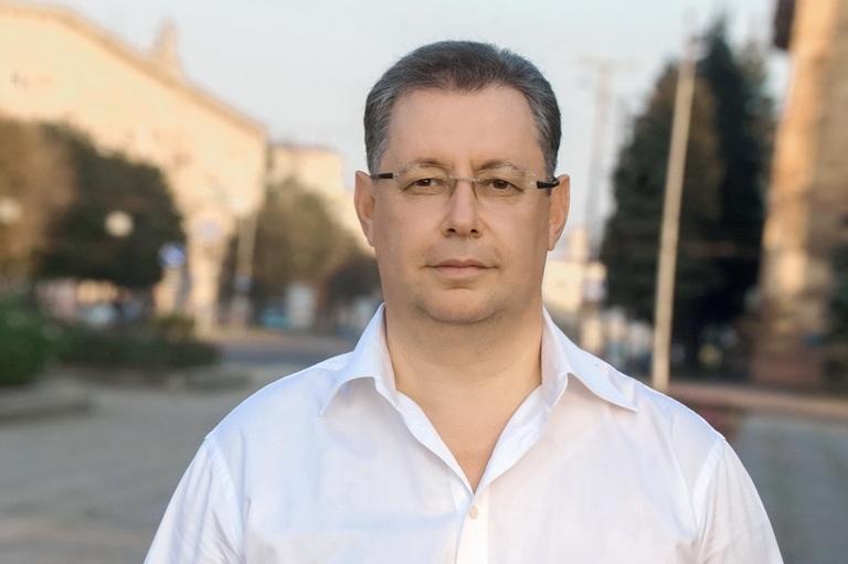 Семья депутата Фукса получает доход  из страны-агрессора