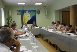 Запорожские чиновники передают херсонцам опыт борьбы с амброзией - ФОТО