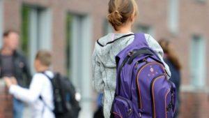 В Запорожье полицейские обнаружили пропавшую девочку - ФОТО