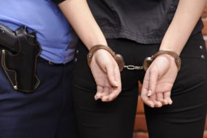 В Запорожье задержали женщину, которая убила ножом своего знакомого