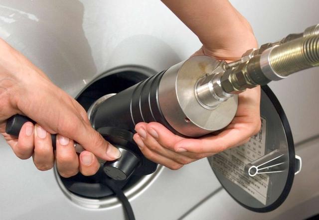 За месяц в Украине цены на сжиженный газ на АЗС выросли на 40%