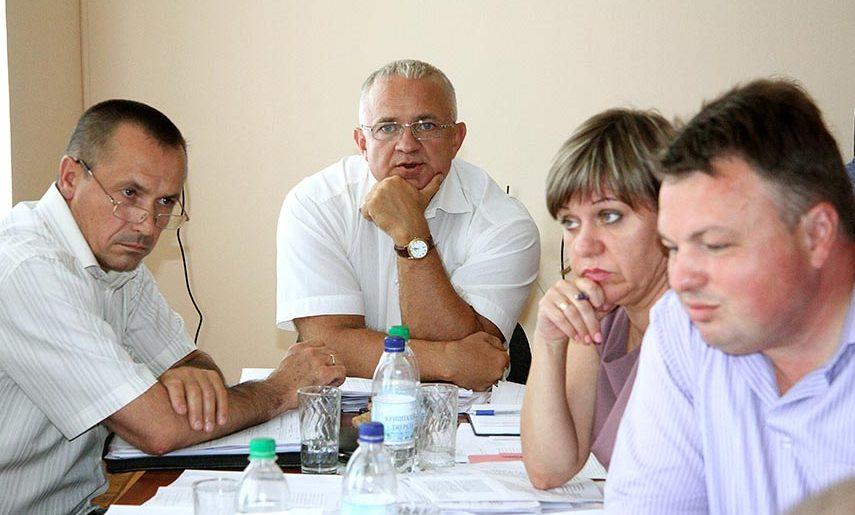 Главу бюджетной комиссии облсовета обвиняют в подделке документов при согласовании распределения 709 миллионов гривен