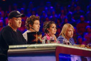 Житель Запорожской области довел до слез жюри популярного песенного шоу - ВИДЕО