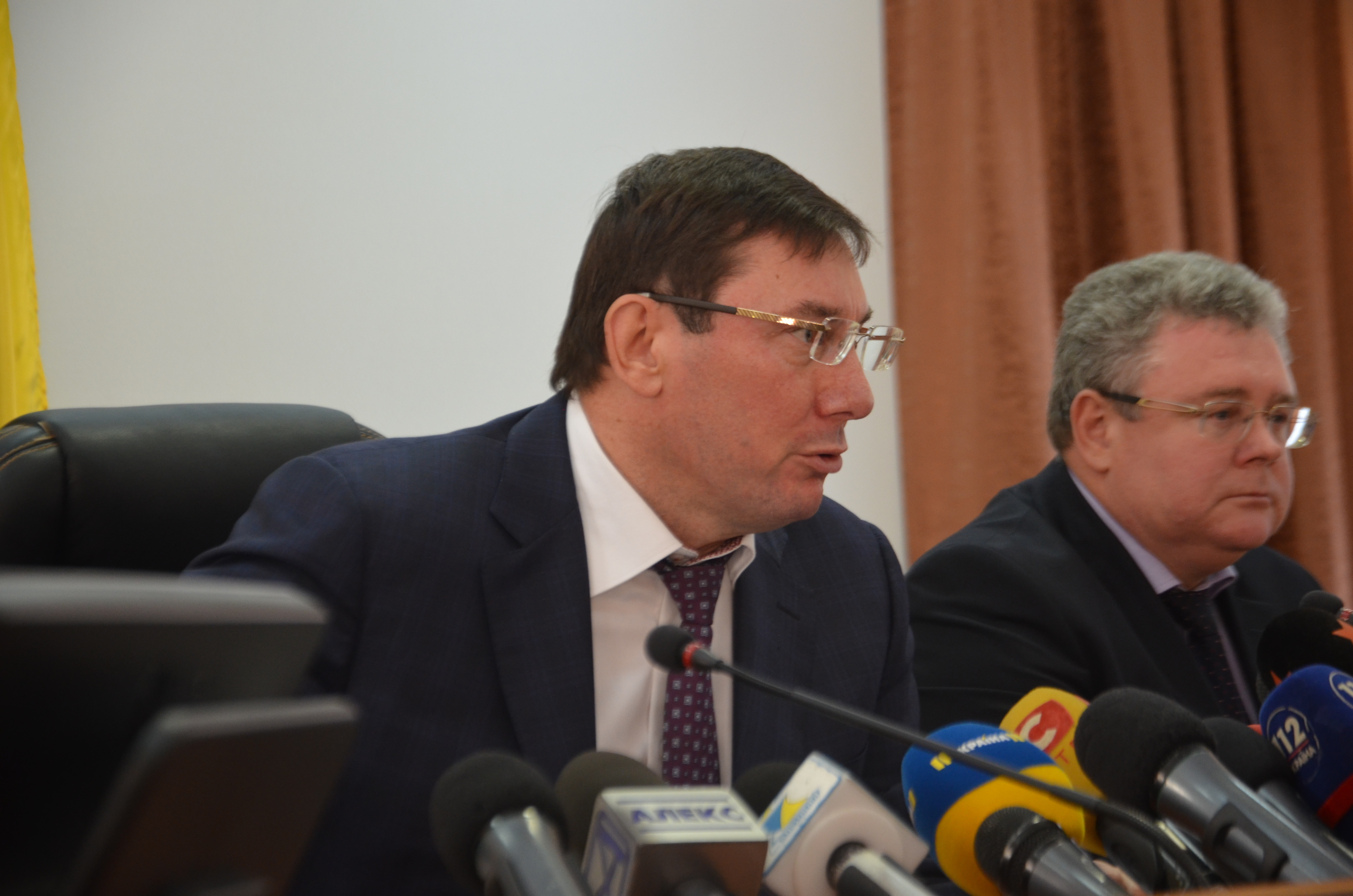 В Запорожье приехал генпрокурор Украины Юрий Луценко: экс-мэра Александра Сина объявили в розыск - ФОТО
