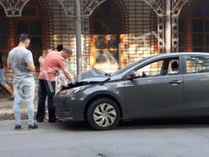 В Запорожской области иномарка протаранила два припаркованных автомобиля - ФОТО