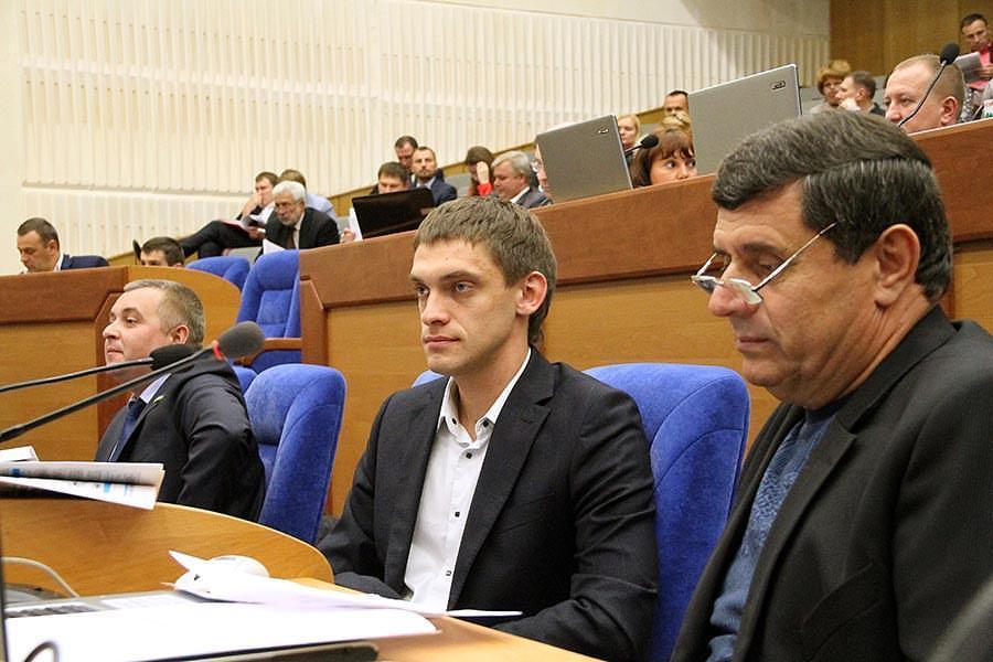 Заместитель мэра Мелитополя после BMW X6 купил себе подержанную Toyota Land Cruiser