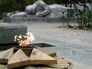 В Запорожской области вандалы снова осквернили кладбище - ФОТО