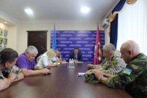 Бойцы, которые пикетировали Запорожский Госгеокадастр, изложили губернатору свои требования