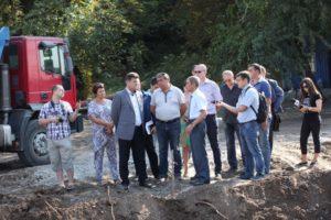 Владимир Буряк предложил убрать из Вознесеновского парка все аттракционы