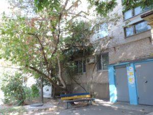 В Запорожской области произошла страшная трагедия: маленький ребенок выпал с четвертого этажа