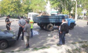 В Запорожской области грузовик насмерть сбил женщину - ФОТО