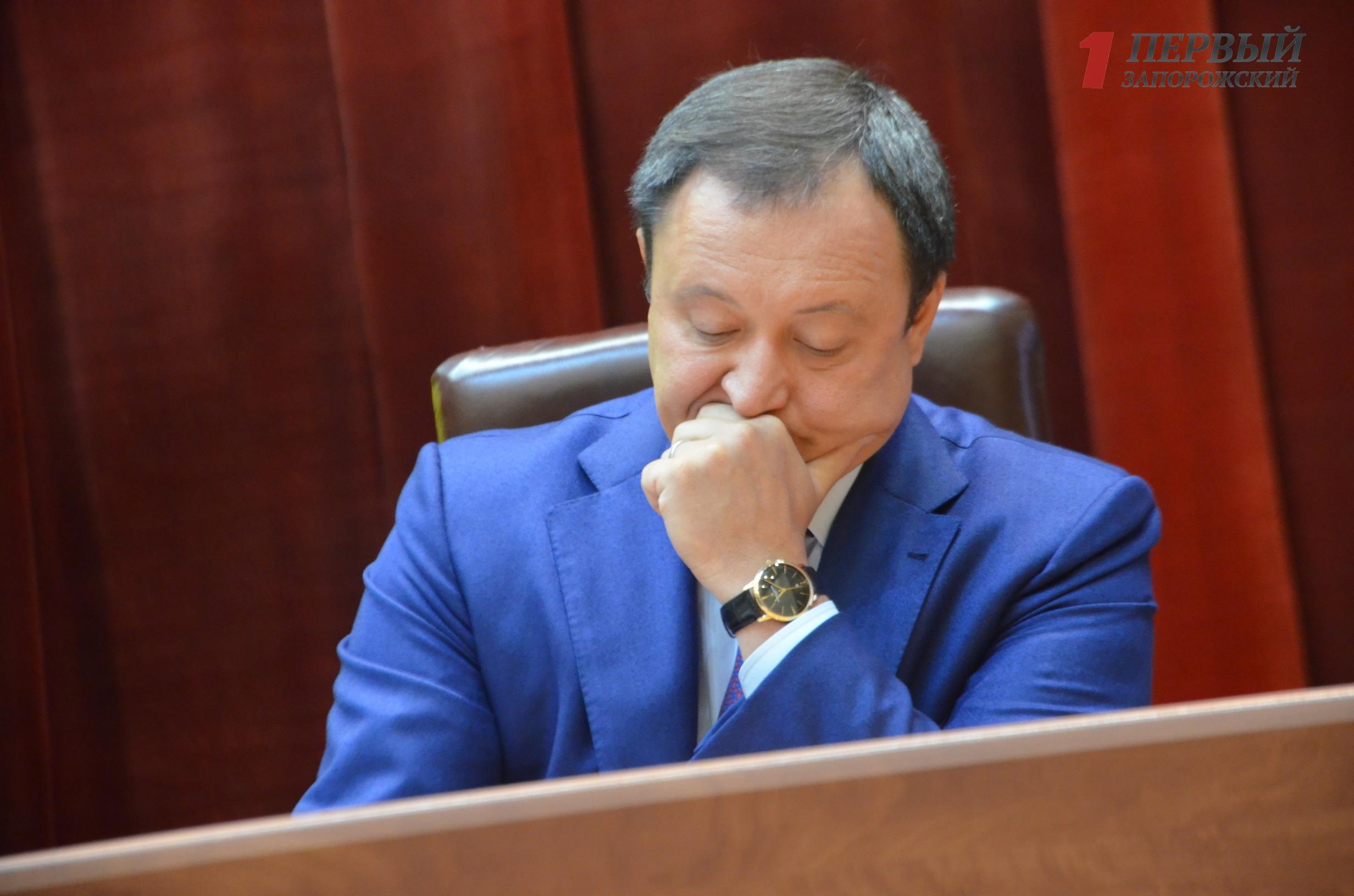 Константин Брыль пытается навязать свое мнение депутатам облсовета - ФОТО