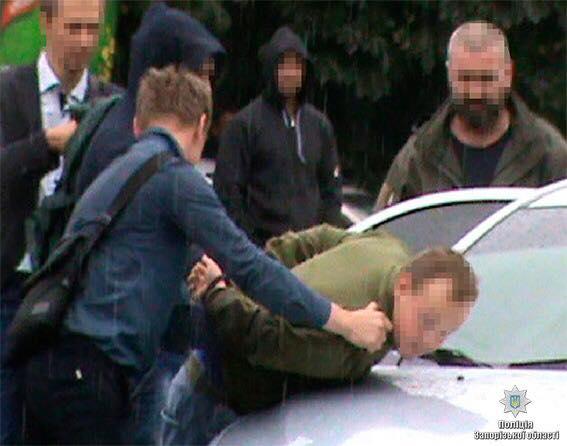 В Запорожье задержали солдата-контрактника, торговавшего оружием из зоны АТО - ФОТО