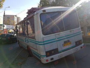 В Запорожской области из-за нерадивого пешехода едва не перевернулся автобус - ФОТО