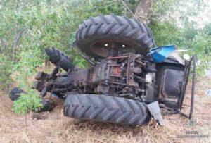 Пьяный парень угнал у фермера трактор - ФОТО