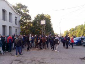 В Запорожье парни в балаклавах пришли на «Фестиваль равенства»: есть пострадавшие - ФОТО
