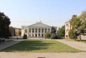 Стало известно, как будет выглядеть после реконструкции обновленный парк напротив театра имени Магара - ФОТО