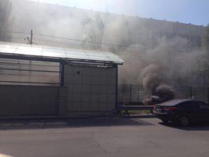 В Запорожье на остановке вспыхнул пожар в киоске
