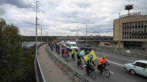 Запорожские велосипедисты провели велоакцию «За безопасные дороги» - ФОТО