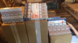 В Запорожье обнаружили контрабандные сигареты на сумму около 300 тысяч гривен - ФОТО, ВИДЕО