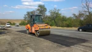 В Запорожской области дороги ремонтируют в усиленном режиме