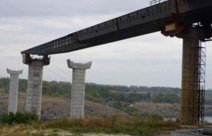 В Запорожье из-за аварийной ситуации возобновилось строительство многострадальных мостов через реку Днепр