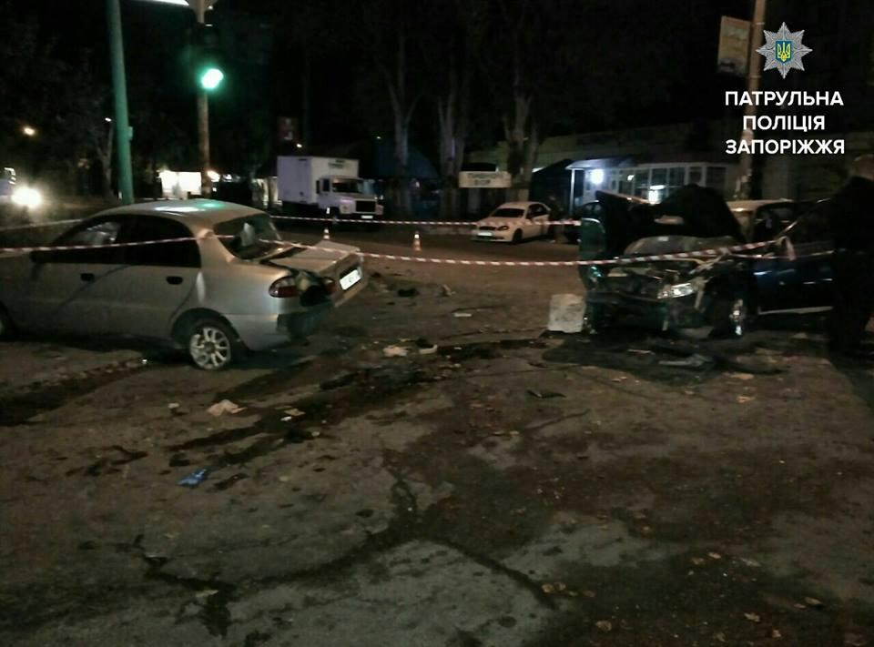 В Запорожье пьяный сотрудник СТО разбил машину клиента и