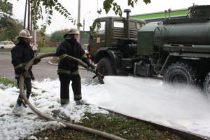 В Запорожье на заправке тушили условный пожар - ФОТО