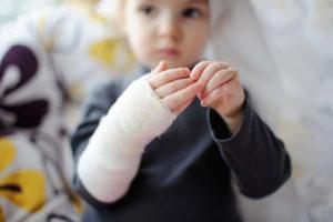 Запорожца посадили на 1,5 года за издевательства над собственными детьми