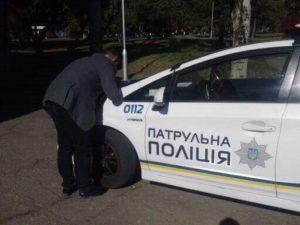 В Запорожье автомобиль коммунальщиков наехал на зама руководителя ЗОЦМ - ФОТО, ВИДЕО