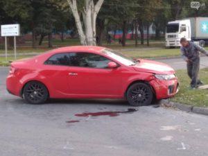 В Запорожье пьяный водитель попал в ДТП еще с двумя легковушками - ФОТО